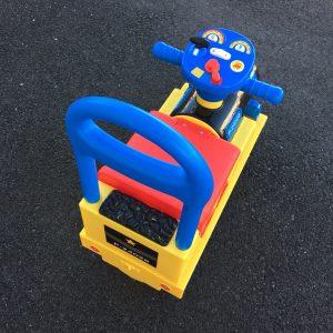 乗用玩具 背もたれ 足けり車 おすすめ 選び方 選ぶポイント 安い