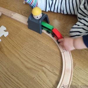イケア IKEA 木製レール 列車 トンネル